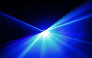 Lumière bleue: mythes, marketing et réalités scientifiques